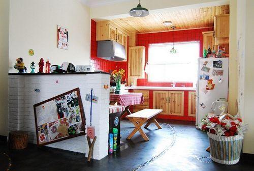 绚丽的红色厨房